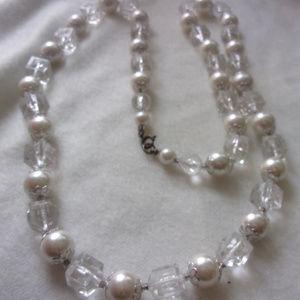 Jewelry - Sparkle bead necklace